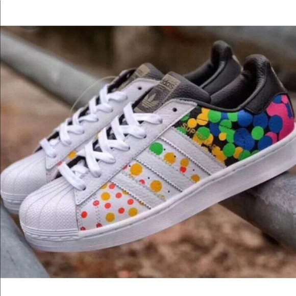 newest fb049 5f6df Adidas Originals SuperStar Pride Pack Rainbow Shoe NWT